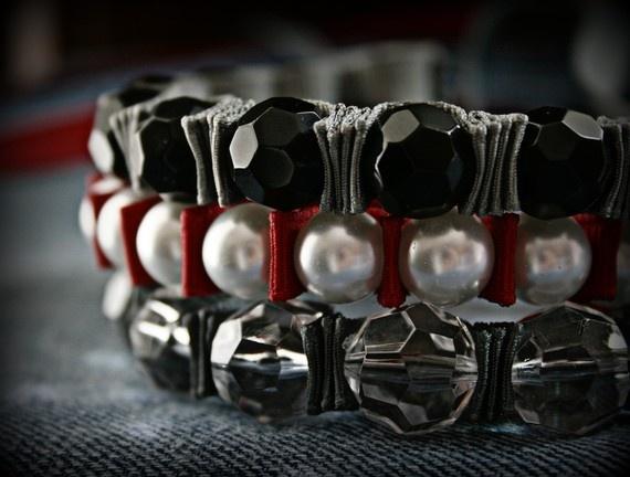 Como fazer pulseira com fita e pérolas passo a passo